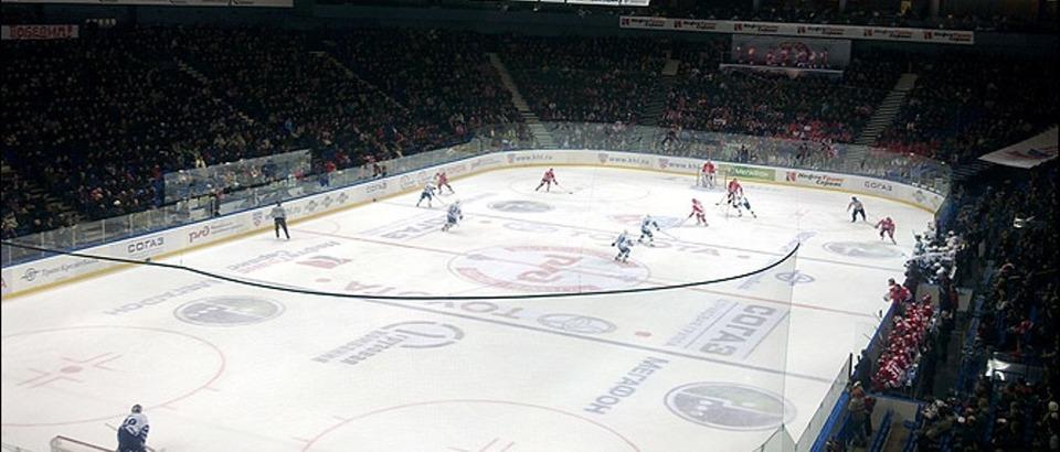 Универсальный культурно-спортивный комплекс «Арена 2000» (Ярославль, Суздальское ш., 21а)