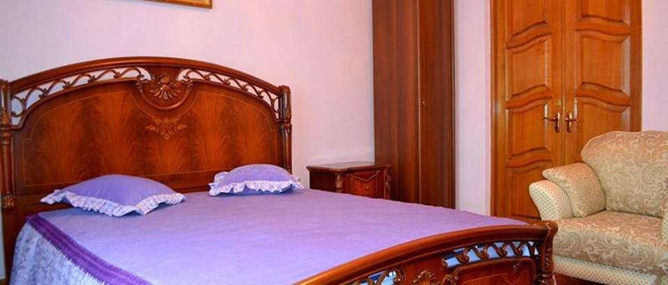 Отель Family house (Ростовская обл., Батайск г., ул. Рабочая, 84)