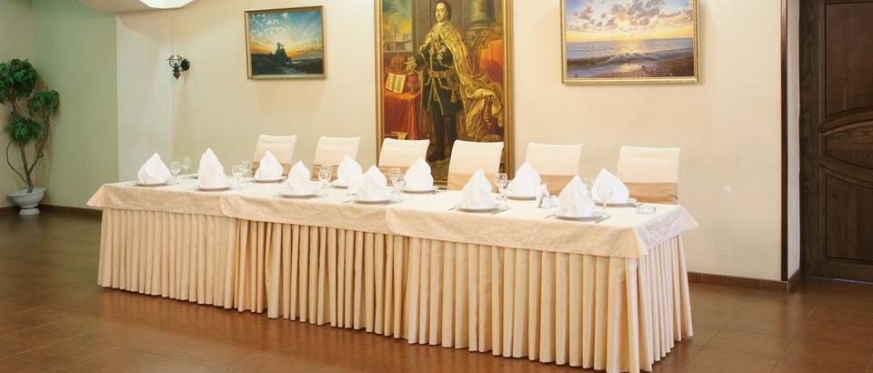 Ресторан Петровский (Азов, Петровская пл, д 14)